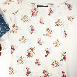 Very Cute! Floral off the shoulder top